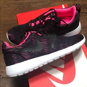 Nike Roshe One - Women's Sz 6 - Black and Pink